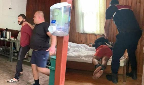 15 kişiyle oteli basıp dehşet saçtı!