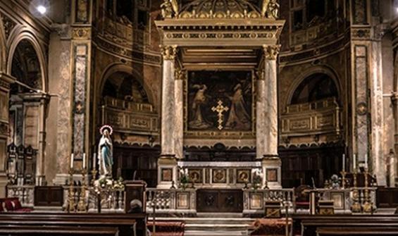 6 katlı kilise çöktü: 18 ölü