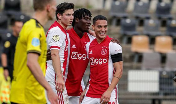 Ajax'tan tarihi fark!