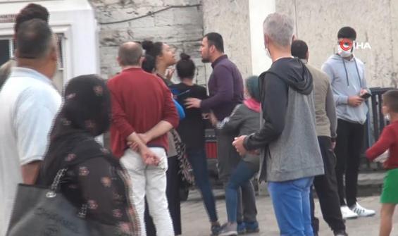 Taksim'de çaycılar birbirine girdi