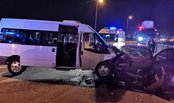 Askeri personel taşıyan minibüs kaza yaptı!
