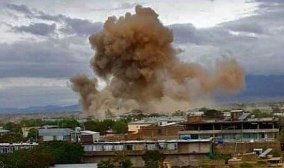 Afganistan'da çifte bombalı saldırı!