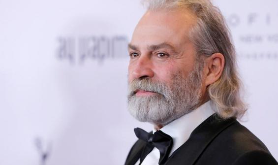 Emmy Ödülleri'nde En İyi Erkek Oyuncu'yu anons etti