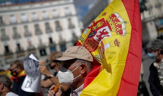 İspanya isteğe bağlı ve ücretsiz aşı yapacak!