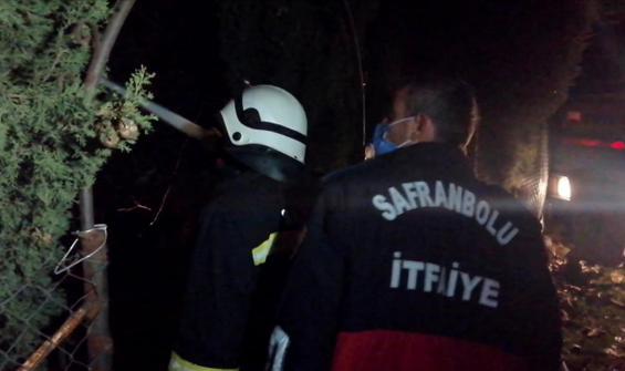 Benzinle sobayı tutuştururken evi yaktı