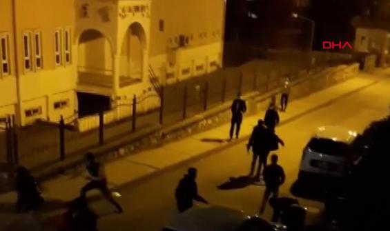 Yasak saatlerinde iki grubun kavgası kamerada