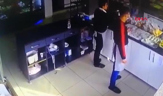 Kavga işyerine taşınca çalışanlar dolaba saklandı