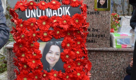 Ceren Özdemir, mezarı başında anıldı