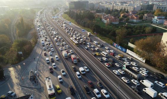 Kısıtlama öncesinde trafik yoğunluğu