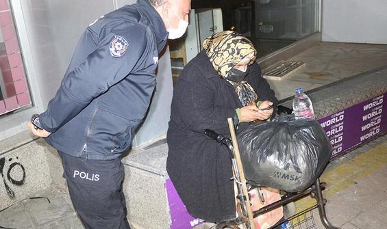 Belediye otobüsüne yetişemeyen kadına polis sahip çıktı