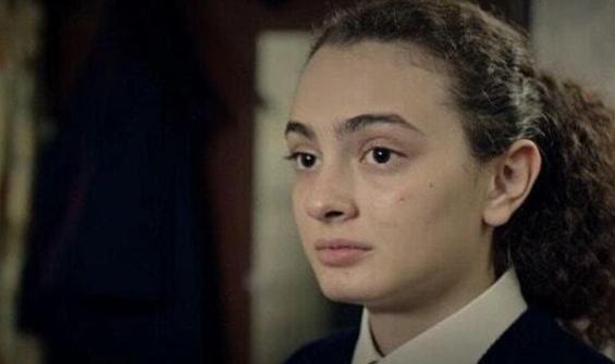 Masumlar Apartmanı'nda Safiye'nin gençliğini kim oynuyor?