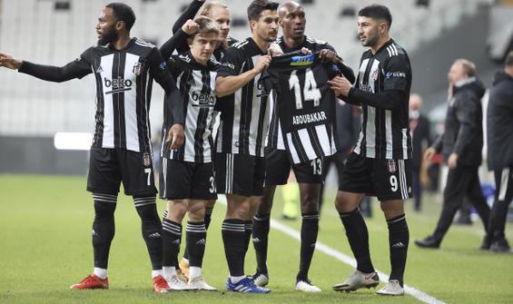 Beşiktaş, Sivasspor engelini 3 golle geçti