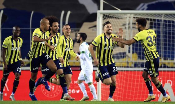 Fenerbahçe, Alanyaspor'u 2-1'le geçti
