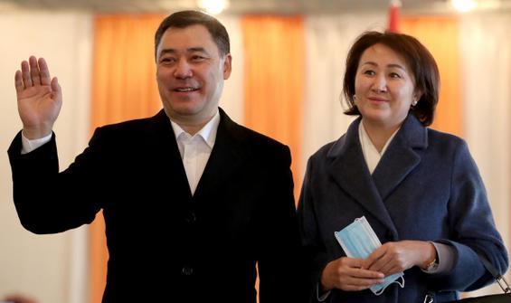 Kırgızistan'da seçimlerde zafer Caparov'un