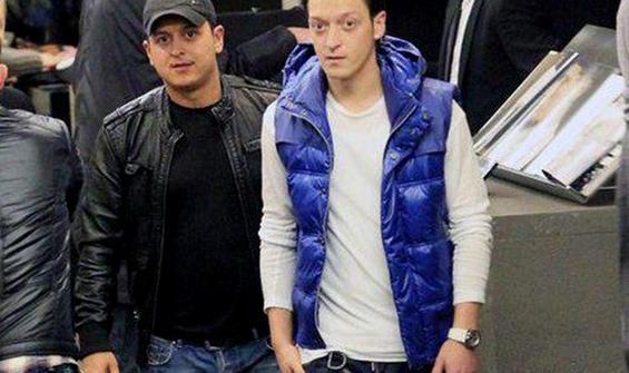 Mesut Özil'in abisinden Fenerbahçe paylaşımı