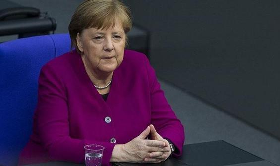 Merkel'den Twitter'a eleştiri