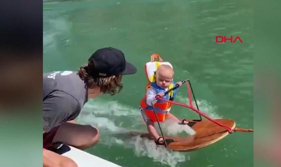 Su kayağı yapan 6 aylık bebek viral oldu