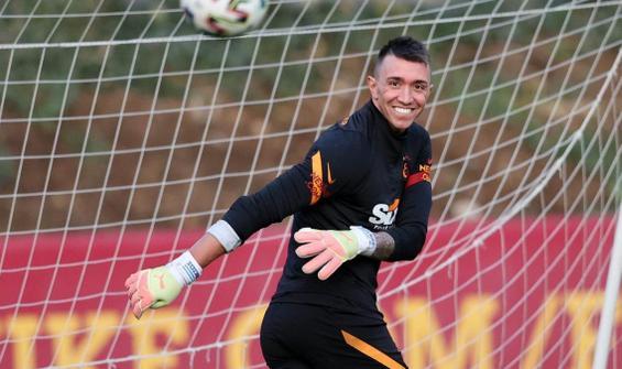 Galatasaray'da Muslera ve Feghouli sevinci