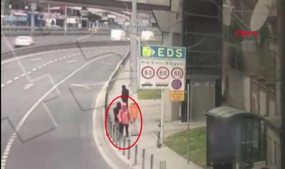 Fatih'te Rus uyruklu kadına kapkaç şoku