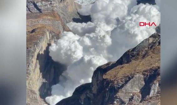 Çığ felaketi turist kamerasına anbean yansıdı