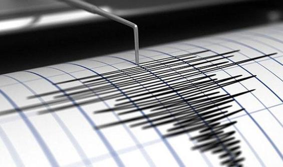 İzmir ve Çanakkale'de peş peşe deprem