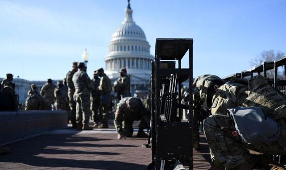 25 bin asker Washington'a yığıldı