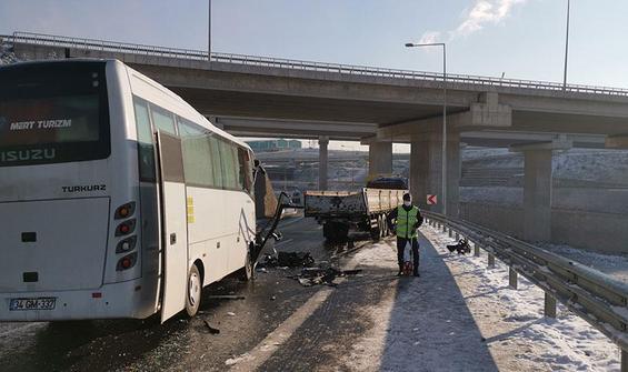 Kocaeli'de midibüs ile TIR çarpıştı: Biri ağır 10 yaralı