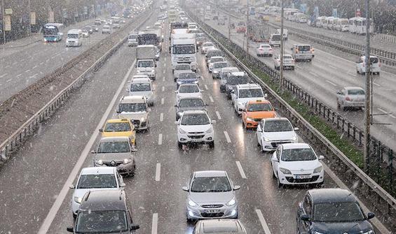 İstanbul'da bazı ilçelerde kar etkili oldu
