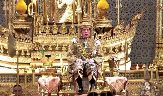 Tayland'da Kral'a hakarete 43 yıl hapis