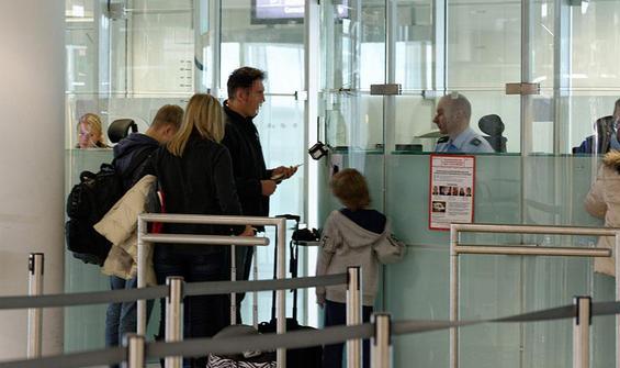 Kovid-19 hastası, sahte test sonucuyla uçağa binmeye çalıştı