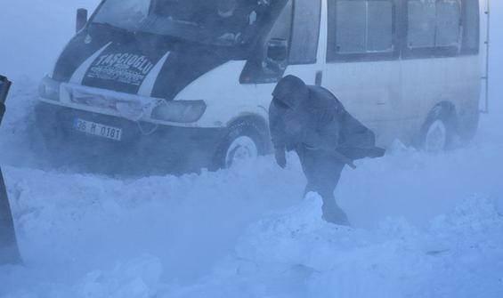 Kars'ta tipide mahsur kalanlar kurtarıldı