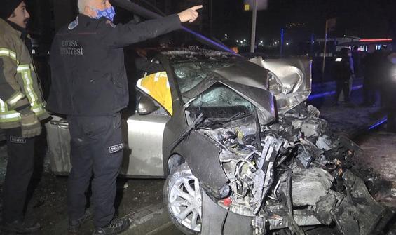 Bursa'da feci kaza: 1 ölü, 4 yaralı!