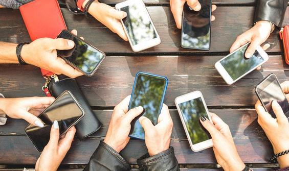 """""""Cep telefonunda klozetten daha fazla bakteri bulunuyor"""""""