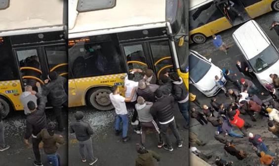 Belediye otobüsünün camını kırıp içeriye girdiler!