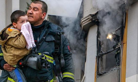 'Allah belanızı versin' yazılı not bırakıp evi ateşe verdi!