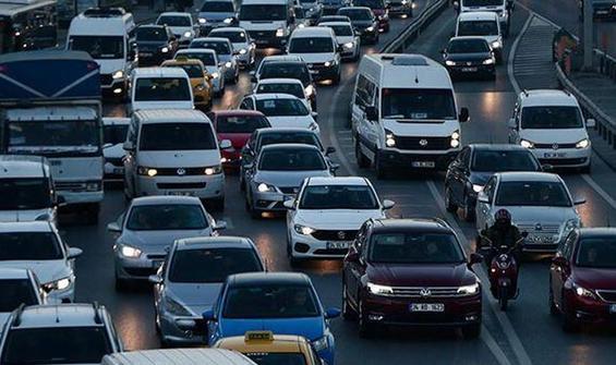Sağanak yağış İstanbul trafiğini etkiledi!