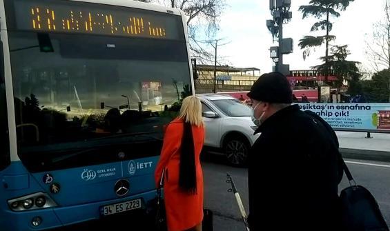 Beşiktaş'ta ilginç görüntü! Halk otobüsünün önünü kesti