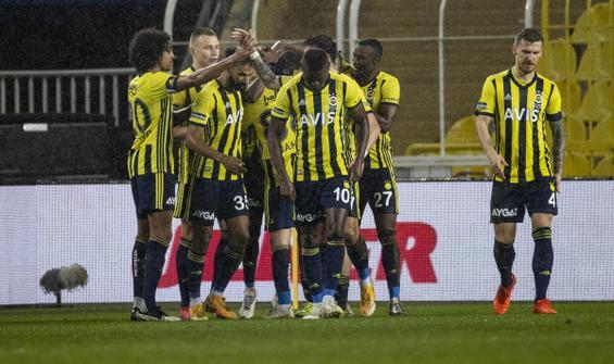 Fenerbahçe, Rizespor'u tek golle geçti