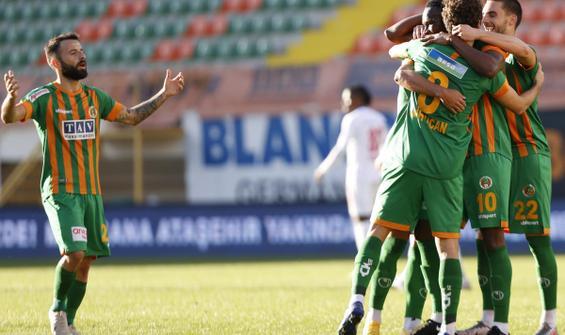 Alanyaspor, Sivasspor'u 3 golle geçti