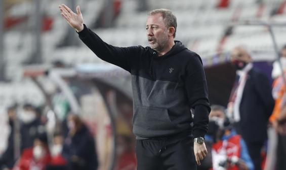Sergen Yalçın, Antalyaspor beraberliğini yorumladı