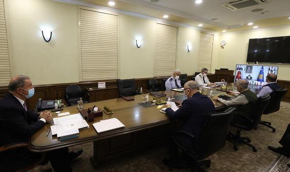 Bakan Akar'dan kuvvet ve birlik komutanlarıyla toplantı