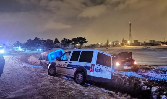 Kaçan sürücü ve kovalayan 2 polis aracı kaza yaptı