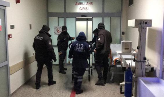 Polislere bıçaklı saldırı! 2 kişi gözaltında