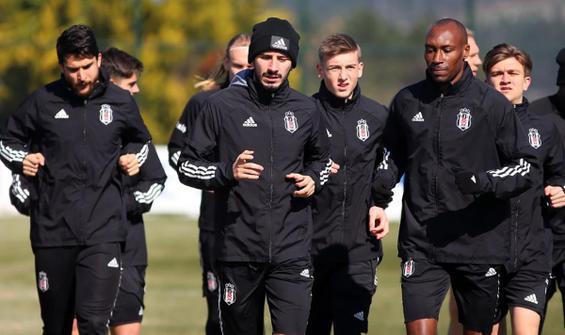 Beşiktaş'a iki isimden iyi haber