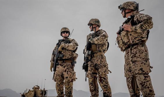 Alman askerleri terörist sanıp FBI'a ihbar ettiler