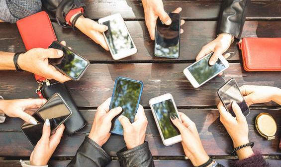Sosyal medya, kadın erkek ilişkilerini etkiledi