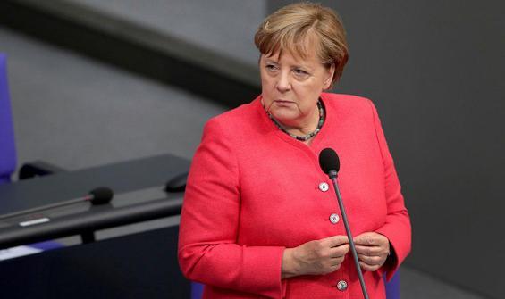 Merkel'den aşı pasaportuna yeşil ışık