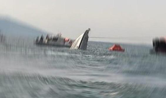 Gökçeada açıklarında tekne alabora oldu: 3 kişi kayıp