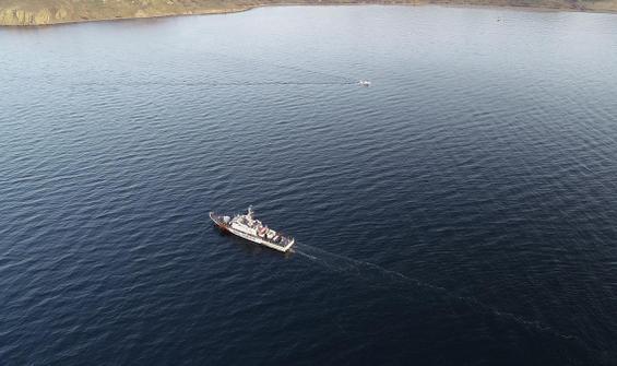 Tekne faciasında kaybolan iki komutan aranıyor