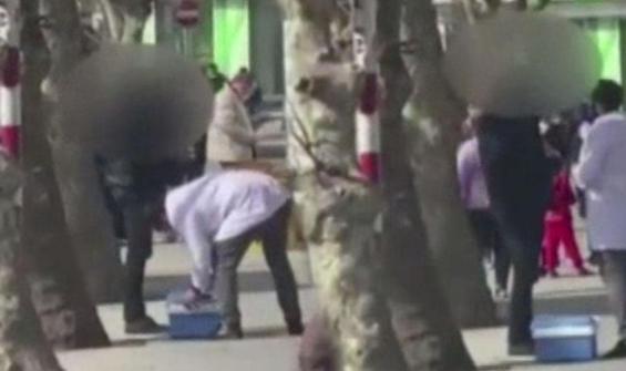 İstanbul'un göbeğinde sokak ortasında yaptıkları şoke etti!